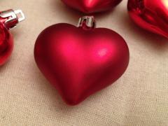 Іграшки на ялинку (сердечка)