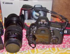 Кенон ЕОС 7Д корпус 20.2 MP Цифрова дзеркальна камера
