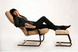 Крісло качалка релакс з підставкою для ніг для годуючих мам