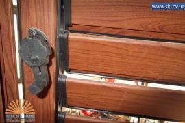 Металеві віконниці на вікна та двері