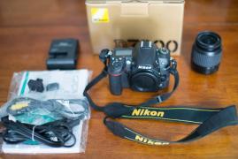 Nikon D700 DSLR камери