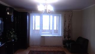 Offered for sale 4 rooms. apartment in a brick house on ave