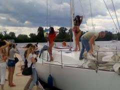 Оренда вітрильних і моторних яхт з капітаном