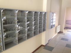 Поштові ящики з ДСП та скла