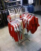 Продам стійки та торгівельне обладнання б/в для одягу/взуття