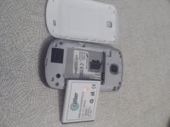 Продаю телефон samsung за 400 грн без зарядного
