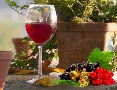 Відмінний на розлив коньяк, горілка, вино, шампанське