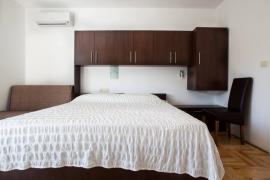 Відпочинок в Хорватії. Заострог. Розкішні апартаменти біля моря