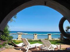 Вілла недалеко від Пули, на Сардинії