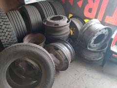Всесезонні шини БУ шини для вантажних автомобілів і сільгосптехніки