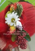 Заколка з живих квітів під замовлення в Києві